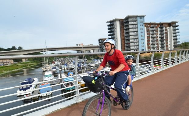 What is the carbon emission reduction potential of active travel?